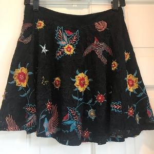 alice and olivia black lace embroidered mini skirt